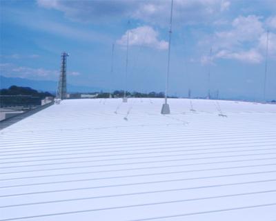 工場棟屋根遮熱塗料を塗装